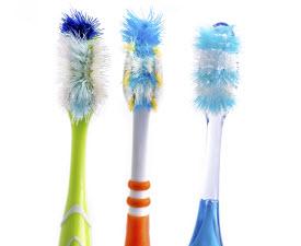 toothbrush-480582151